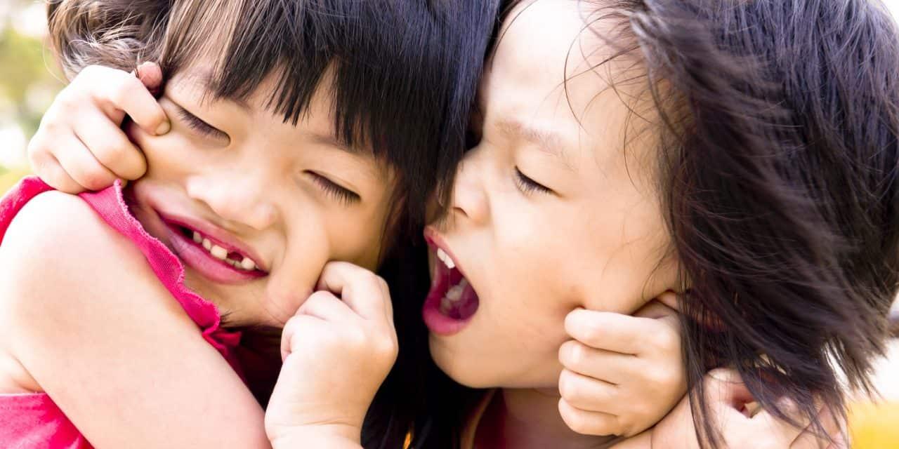 siblings-fighting